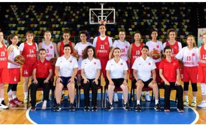 İşitme Engelliler Basketbol Milli Takımı sponsor sıkıntısı çekiyor