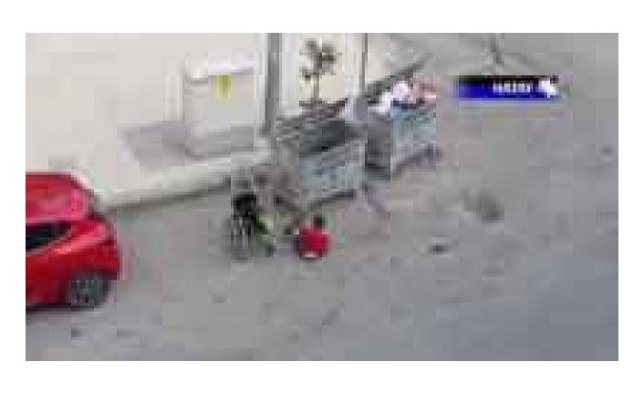 Hatay'da engelli çocuğun çöpten atık topladığı görüntü kahretti