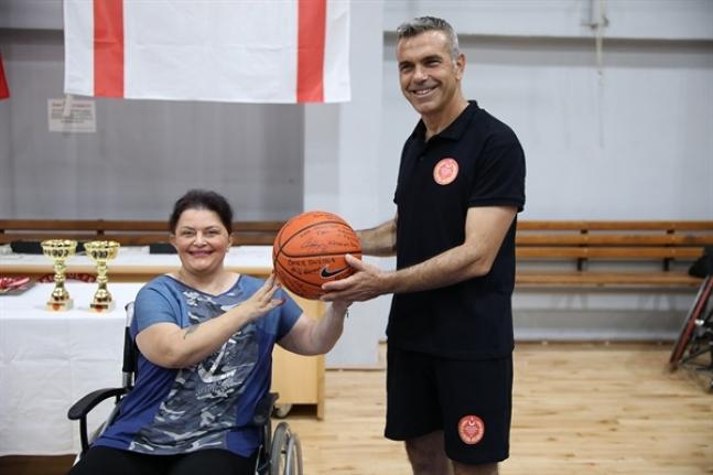 Milletvekilleri,Tekerlekli Sandalye Basketbol Takımı ile empati maçında buluştu