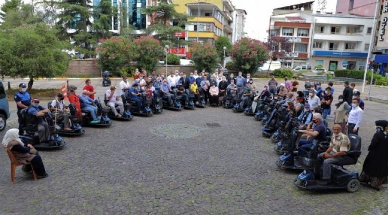 27 adet akülü araç engellilere teslim edildi