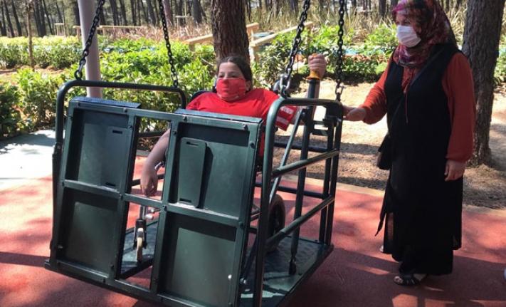 Engelli çocuklara 'engelsiz park'