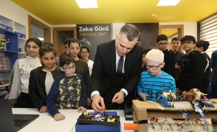 Turkcell: 2020'de 100 bin engellinin hayatına dokunduk