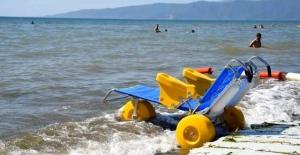 Güzelyalı'da Engelsiz Plaj hizmete açıldı
