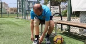 Protez bacaklı antrenör, Pro Lisans'ta dünyada ilk olmak istiyor